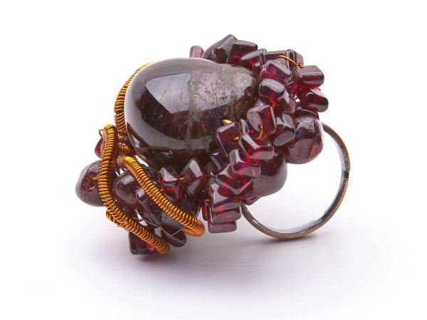 Кольцо из граната