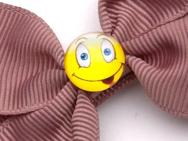 Заколка-прищепка бантик со смайликом