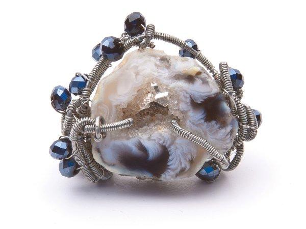 Кольцо из агата и стекляруса