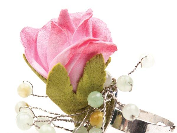 Кольцо с розовой розой из фоамирана и ониксом