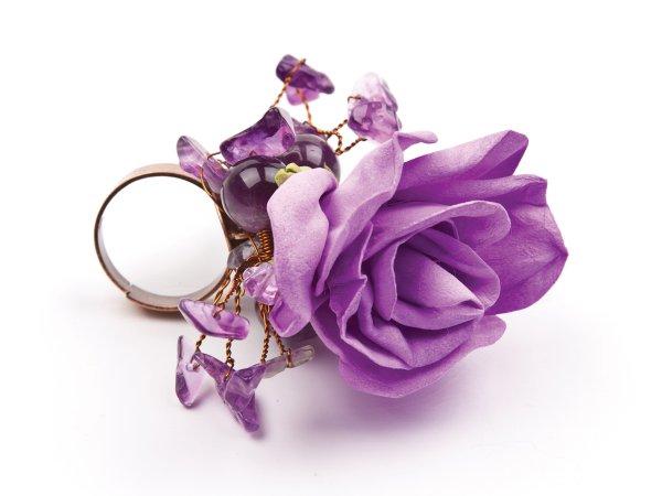 Кольцо с сиреневой розой из фоамирана с аметистом