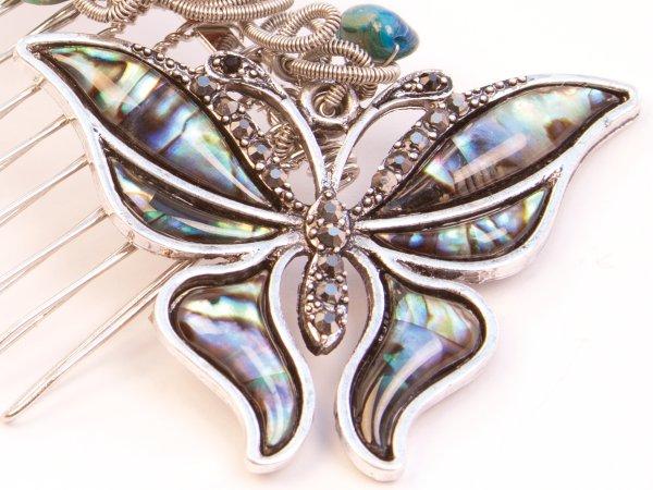 Гребень из перламутра с бабочкой