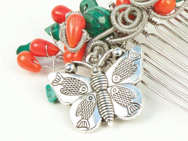 Гребень из малахита и коралла с бабочкой