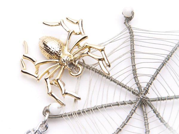 Кулон паутина с пауком и бабочкой с агатом