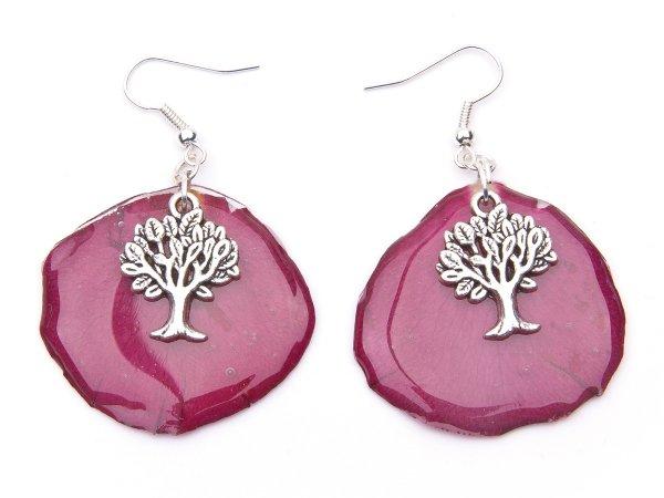 Серьги из розовых лепестков роз в эпоксидной смоле с деревьями