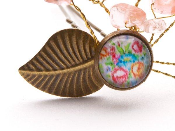 Шпилька с цветочным кабошоном