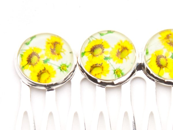 Гребень с цветочными кабошонами