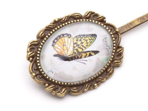 Заколка-невидимка с бабочкой