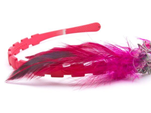 Ободок из агата с перьями