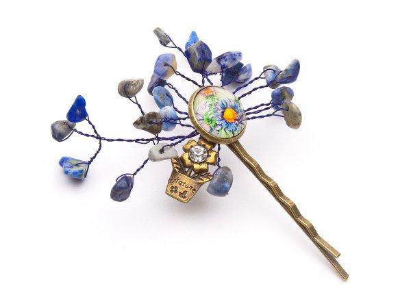 Заколка-невидимка с лазуритом и цветочным кабошоном