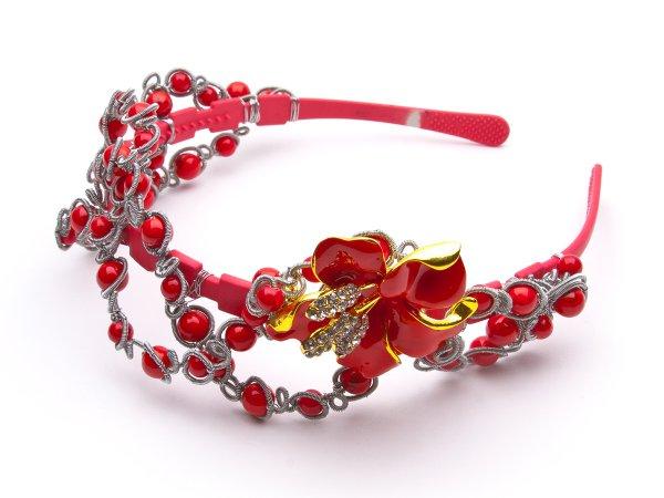 Ободок с красной лилией и кораллом