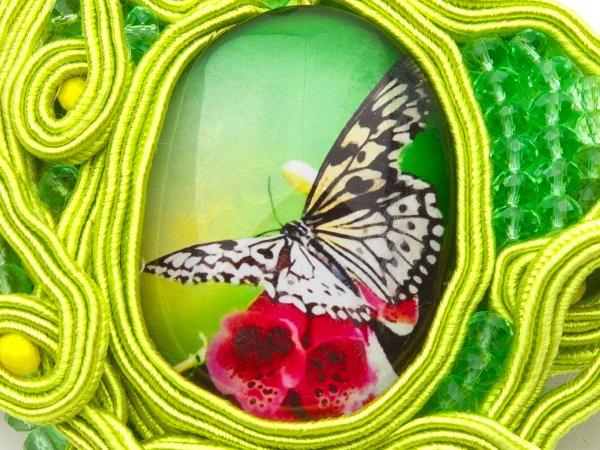 Заколка-автомат из сутажа, стекляруса и кабошона с бабочкой