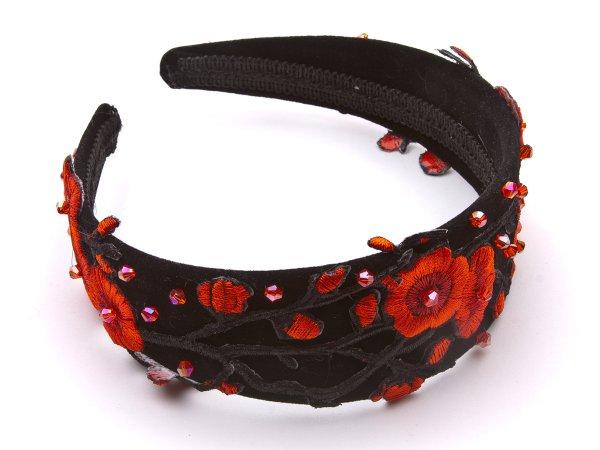 Ободок черный с красными цветами и стеклярусом