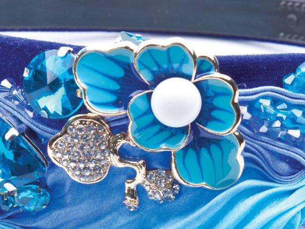 Ободок голубой с цветком Великолепный век в современном стиле