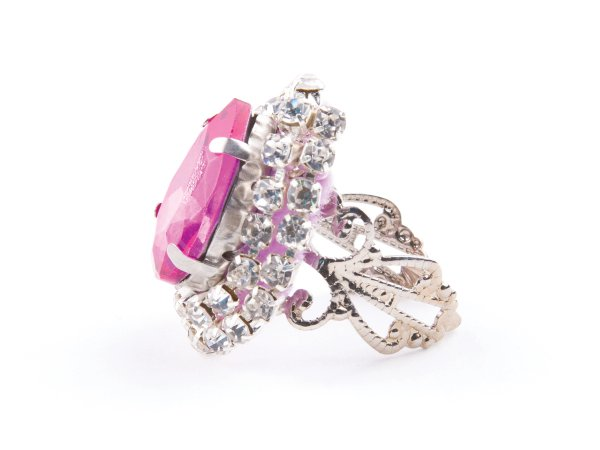 Кольцо розовое со стразами