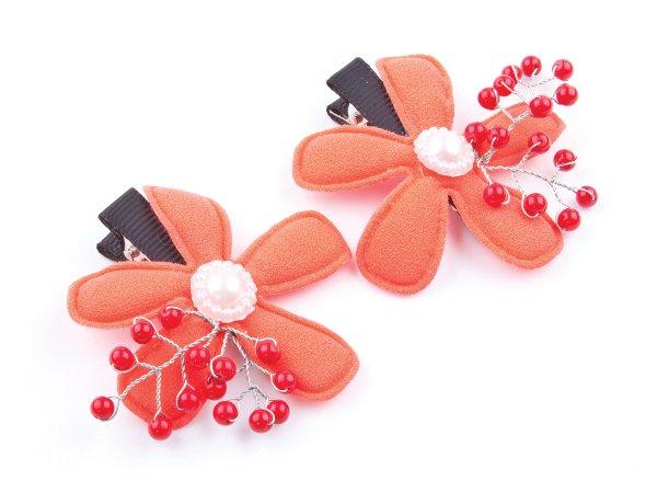 Набор из 2 заколок-прищепок красные цветы с кораллом
